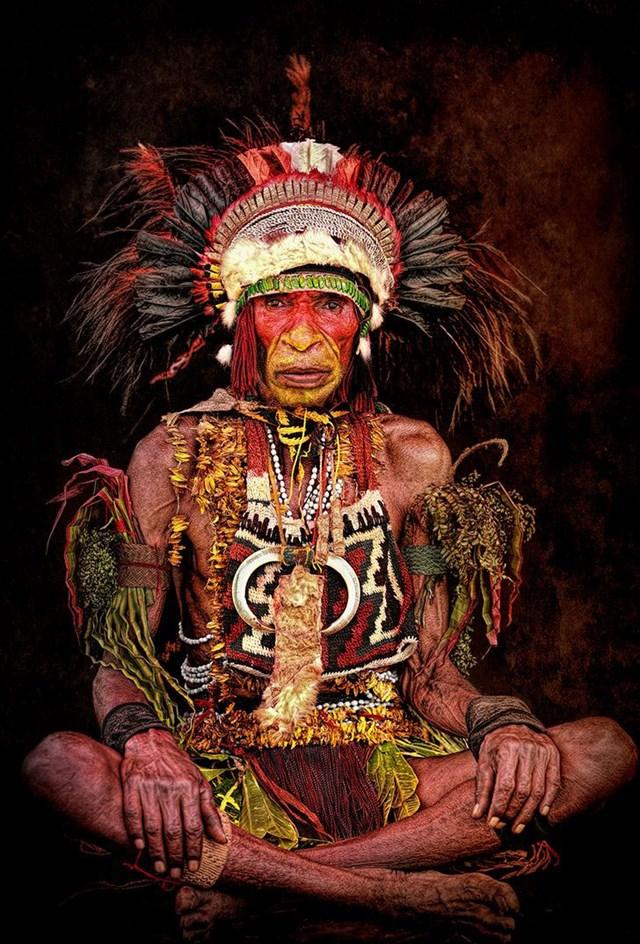 Trưởng lão bộ tộc từ Cao nguyên phía Đông, Papua New Guinea.