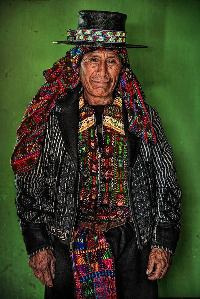 Đại diện của người Kaqchikel (Maya), Cao nguyên Guatemala.