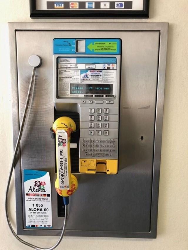 Bạn có thể gửi tin nhắn từ điện thoại công cộng này.