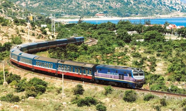Để phát triển ngành đường sắt Việt Nam cần sự đầu tư tổng thể.