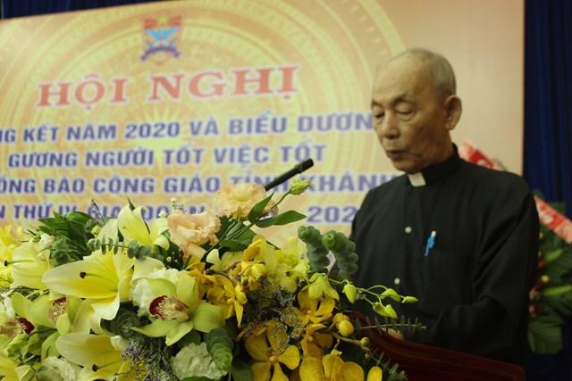 Linh mục Nguyễn văn Vĩnh, phát biểu tại hội nghị.