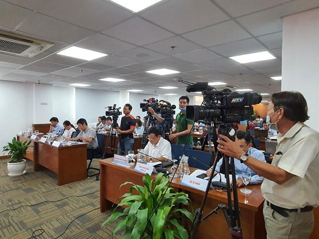 Quang cảnh buổi họp báo.