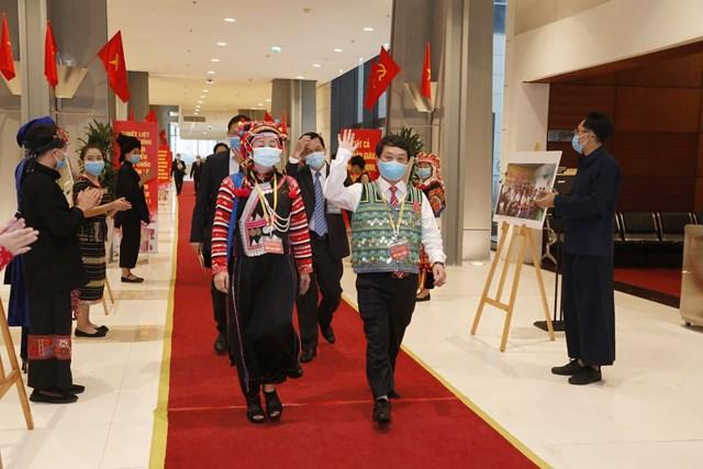 Phó Chủ tịch - Tổng Thư ký UBTƯ MTTQ Việt Nam Hầu A Lềnh đến dự Đại hội.