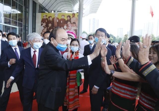Thủ tướng dự Đại hội đại biểu các dân tộc thiểu số toàn quốc sáng nay. Ảnh Quang Vinh.
