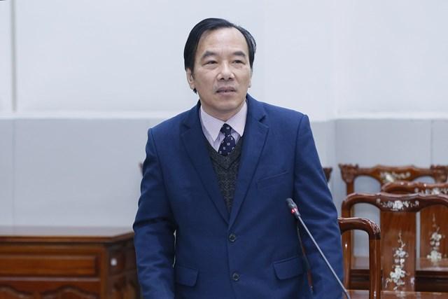 Phó Chủ tịch Ngô Sách Thực phát biểu tại phiên họp.