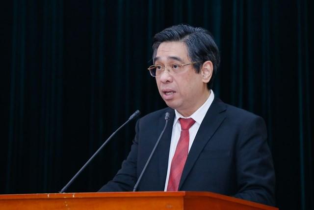 Phó Trưởng ban Dân vận Trung ương Nguyễn Phước Lộc báo cáo kết quả tổng kết nhiệm kỳ 2016-2020 của Hội đồng Công tác quần chúng Trung ương.