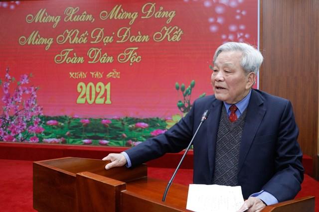 Ông Nguyễn Túc, Trưởng ban liên lạc cán bộ hưu trí UBTƯ MTTQ Việt Nam phát biểu.