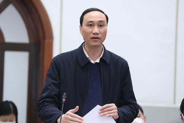 Phó Chủ tịch Phùng Khánh Tài phát biểu tại cuộc họp.
