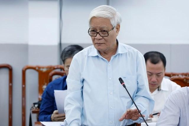 T.S Nguyễn Viết Chức, Phó Chủ nhiệm Hội đồng Tư vấn Văn hóa – xã hội gópý tại Hội nghị