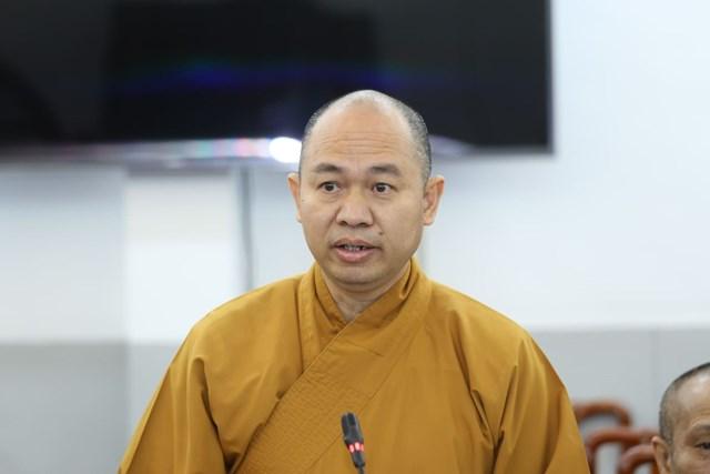 Thượng tọa Thích Đức Thiện, Phó Chủ tịch - Tổng Thư ký Hội đồng Trị sự GHPG Việt Nam phát biểu tại Hội nghị.