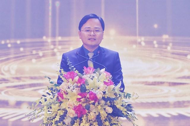 Bí thư thứ nhất TrungươngĐoàn Nguyễn Anh Tuấn phát biểu.