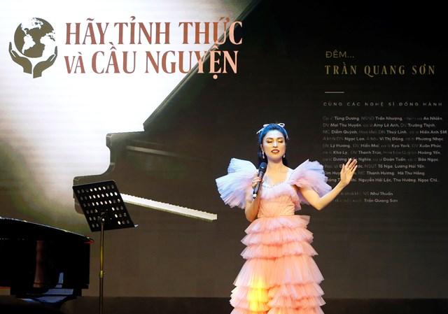 Ca sĩ Kim Huyền Sâm.
