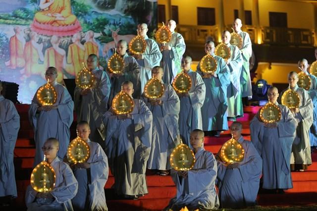 Tăng ni sinh tại Học viện Phật giáo Việt Nam tại Hà Nội.
