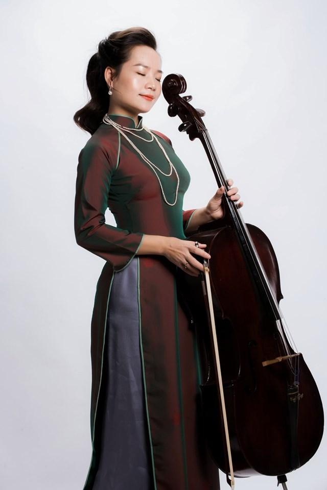 """Đình Hoài Xuân là người sáng lập và tổ chức chuỗi hòa nhạc quốc tế """"Cello Fundamento""""."""