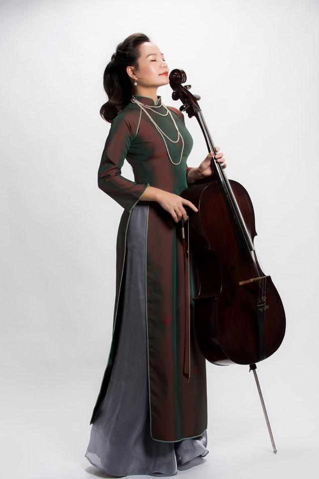 Đinh Hoài Xuân muốn thông quan nhạc cổ điển để hướng tới cuộc sống an toàn.