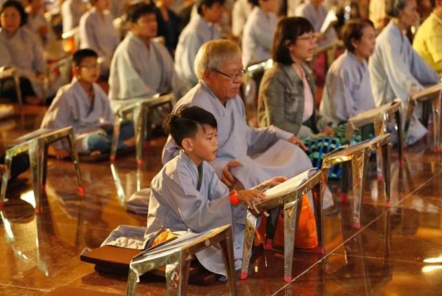 Giáo hội Phật giáo Việt Nam kêu gọi Tăng, Ni, Phật tử cấm túc