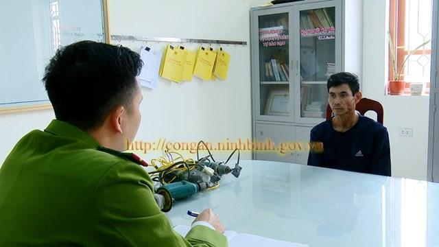 Công an TP Tam Điệp (Ninh Bình) vừa bắt giữ hai đối tượng để điều tra về hành vi Trộm cắp tài sản.