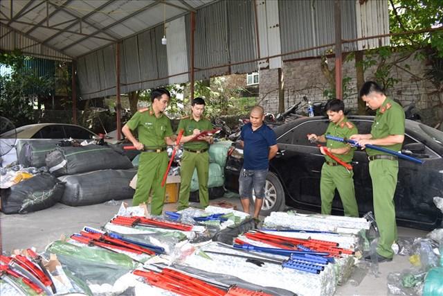 Ninh Bình: Liên tiếp bắt giữ 2 lô hàng lậu 'khủng'