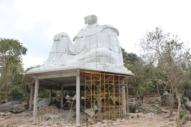 Xây mới tượng Bà Chúa Xứ thứ 2 trên núi Sam.