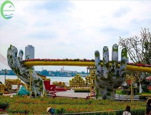 Hơn 50 ngàn lượt khách thăm Đà Nẵng dịp Tết dương lịch - Ảnh 1