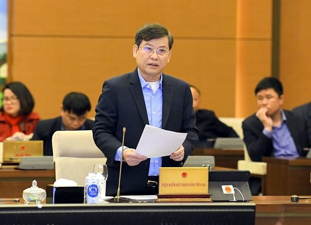 Viện trưởng Viện Kiểm sát nhân dân tối cao Lê Minh Trí phát biểu tại phiên họp.