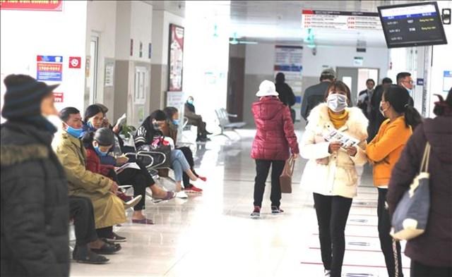 Rét kéo dài, nhiều bệnh viện ở Quảng Bình gia tăng người nhập viện.