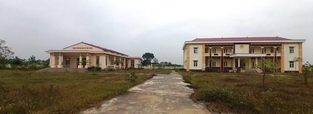 Công sở xã Thọ Thắng được đầu tư xây dựng gần 5 tỷ đồng nhưng bị bỏ hoang sau khi sát nhập.
