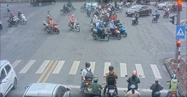 Thông qua camera giám sát, lực lượng chức năng Thừa Thiên – Huế đã xử lý 1.087 trường hợp vi phạm giao thông, phạt tiền gần 1,1 tỷ đồng.