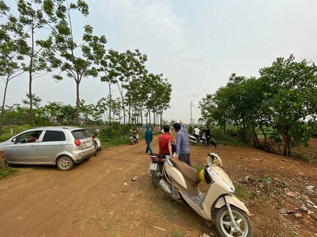 Có lúc xã Đồng Trúc (huyện Thạch Thất, Hà Nội) đông nghịt người tới mua đất.