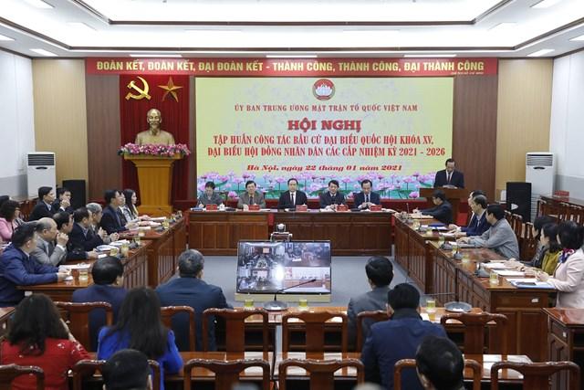 Hội nghị trực tuyến tập huấn công tác bầu cử đại biểu Quốc hội khóa XV và HĐND các cấp nhiệm kỳ 2021-2026. Ảnh: Quang Vinh.
