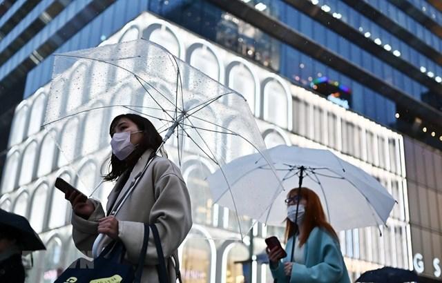 Người dân Tokyo (Nhật Bản) trong dịch Covid-19.