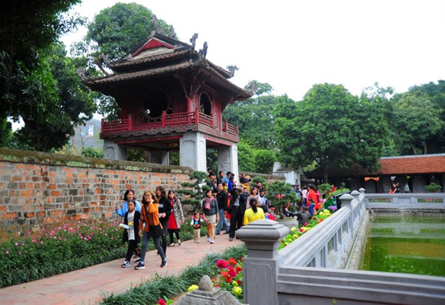 Hà Nội đón gần 123 nghìn lượt khách trong dịp Tết - Ảnh 1