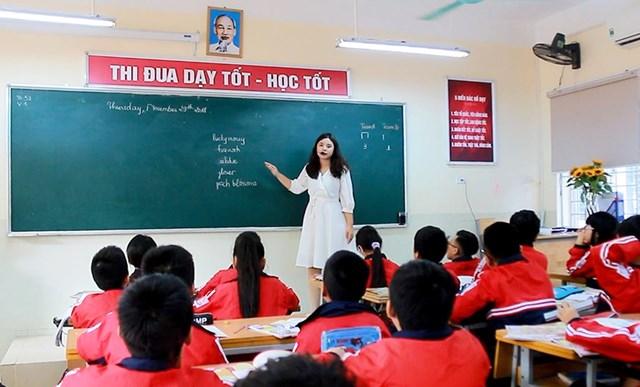 Từ tháng 3/2021 chính thức bỏ yêu cầu chứng chỉ ngoại ngữ, tin học đối với giáo viên.