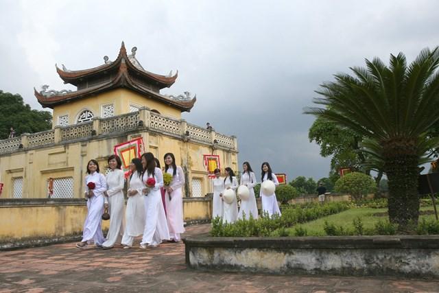 Nhiều hạng mục, dự án tại di sản Hoàng thành Thăng Long vẫn chưa thể triển khai như tiến độ. Ảnh: Quang Vinh.