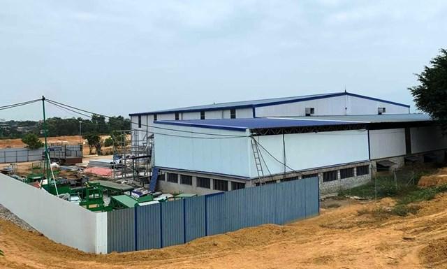 """Nhà máy """"khủng"""" không phép của Công ty TNHH xây dựng và đầu tư Thành Công trên đất rừng sản xuất."""