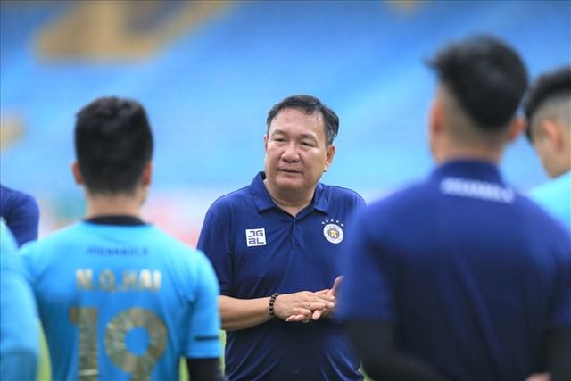 Tân HLV trưởng Hoàng Văn Phúc của Hà Nội FC.