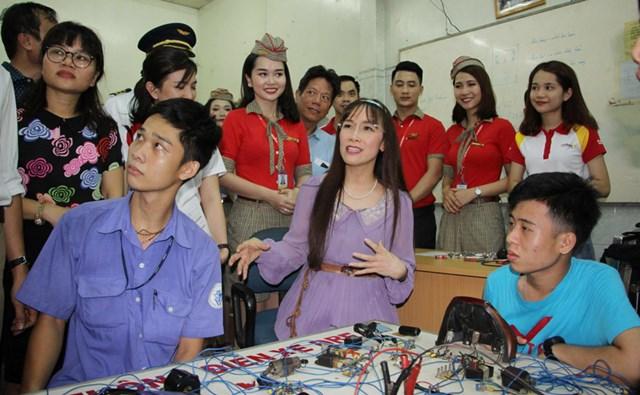 Bà Nguyễn Thị Phương Thảo cùng đội ngũ nhân viên đã tham gia nhiều hoạt động từ thiện trải đều trên mọi miền Tổ quốc, tạo nên những giá trị tốt đẹp cho cuộc sống của người dân.