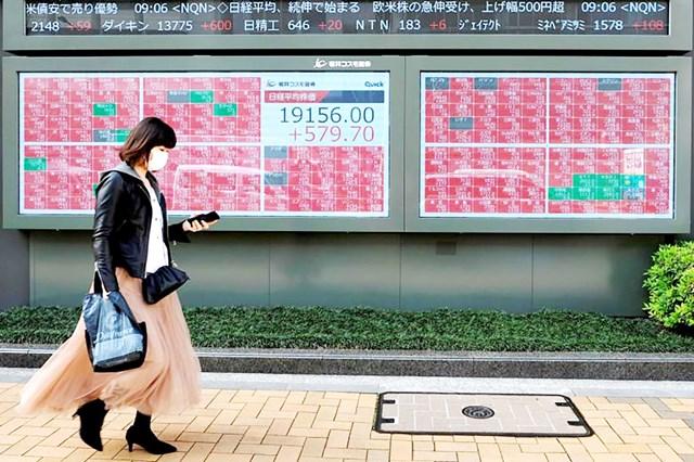Thị trường chứng khoán châu Á chao đảo vì Covid-19.