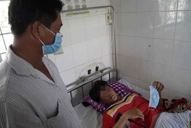 EmL.V.K. đang điều trị tại bệnh viện.