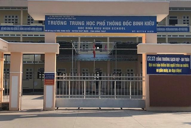 Trường THPT Đốc Binh Kiều, nơi xảy ra vụ việc.