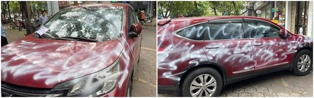 Chiếc xe bị xịt kín sơn khi để trên vỉa hè, trước cửa nhà người khác đã thu hút sự quan tâm của dư luận.
