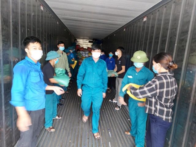 Hà Tĩnh: Huyện Kỳ Anh ủng hộ hơn 129 tấn lương thực, thực phẩm cho đồng bào miền Nam - Ảnh 2