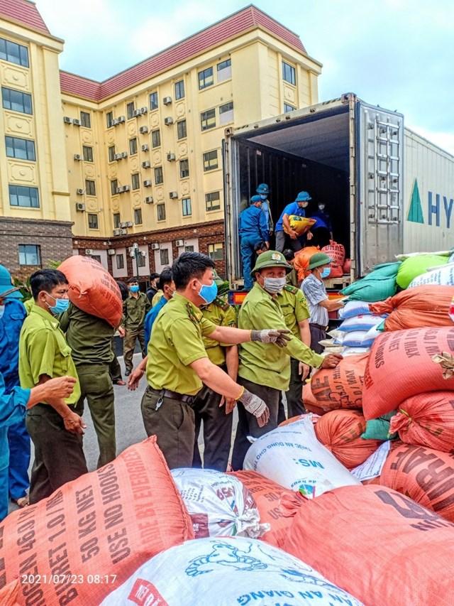 Hà Tĩnh: Huyện Kỳ Anh ủng hộ hơn 129 tấn lương thực, thực phẩm cho đồng bào miền Nam - Ảnh 3