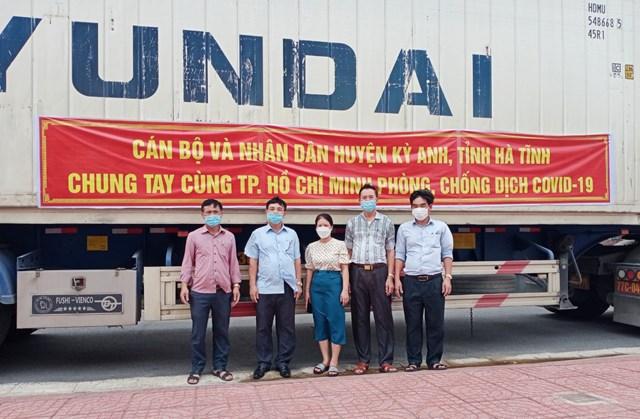 Hà Tĩnh: Huyện Kỳ Anh ủng hộ hơn 129 tấn lương thực, thực phẩm cho đồng bào miền Nam - Ảnh 1