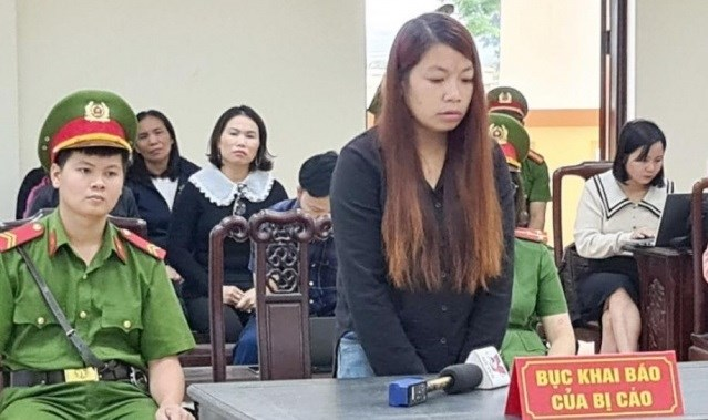 Bị cáo Nguyễn Thị Thu tại tòa.