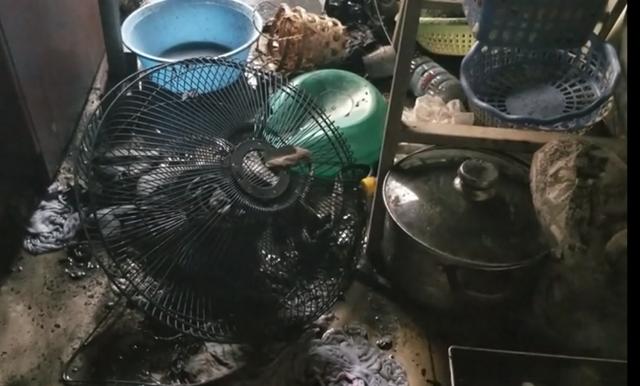 Các vật dụng bị cháy đen trong căn hộ 1302chung cư CT1B2.