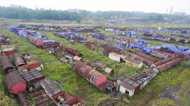 """Dự án mở rộng sản xuất giai đoạn 2 - Công ty Gang thép Thái Nguyên """"đắp chiếu"""" khiến nhiều vật tư công trình bị hư hỏng nặng."""