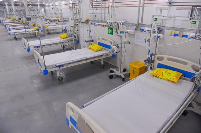 Hầu hết các giường bệnh thuộc Bệnh viện dã chiến số 14 đều được nối oxy tới tận giường. Ảnh: Quang Định
