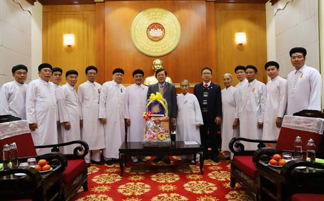 Phó Chủ tịch Nguyễn Hữu Dũng tiếp Hội thánh Cao Đài Tòa thánh Tây Ninh.