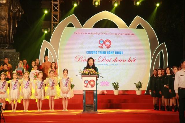 Chủ tịch UBMTTQ thành phố Hà Nội Nguyễn Lan Hương phát biểu.